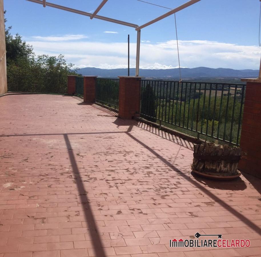 Appartamento in vendita a Colle di Val d'Elsa, 4 locali, prezzo € 80.000   PortaleAgenzieImmobiliari.it