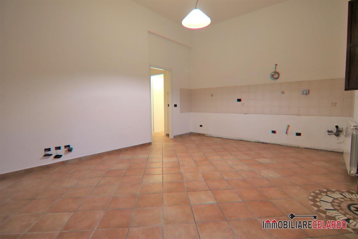 Appartamento in affitto a Colle di Val d'Elsa, 2 locali, prezzo € 530 | CambioCasa.it