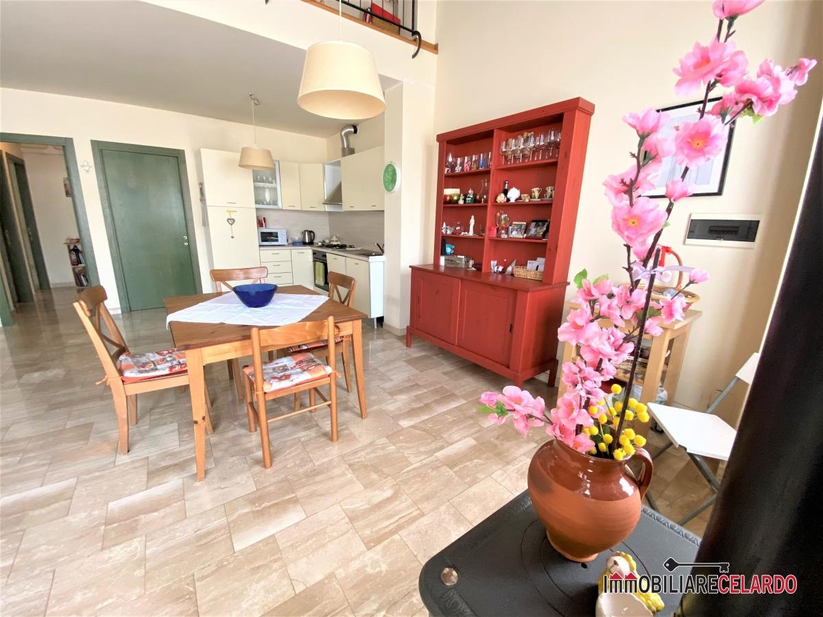 Appartamento in affitto a Colle di Val d'Elsa, 4 locali, prezzo € 800 | CambioCasa.it