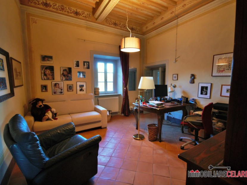 Sale Cottages and Farmhouses Colle di Val d'Elsa - Portion of a splendid historic villa Locality