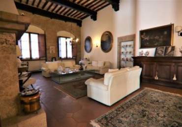 Luxurious apartment in typical Tuscan style